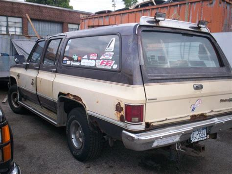 1987 gmc parts sell 1987 chevy suburban parting out whole truck 1979
