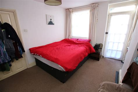 one bedroom flat in exeter prospect park exeter 1 bedroom flat for sale in exeter