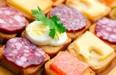 alimentazione ricca di proteine dieta chetogenica italiano sveglia