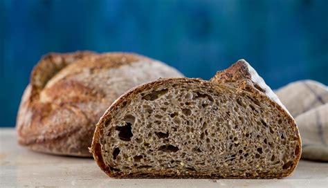 ricetta pane integrale fatto in casa il pane integrale fatto in casa cucina corriere it
