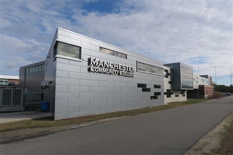 Mba In Manchester Colleges by File Manchester Community College Manchester Nh Jpg