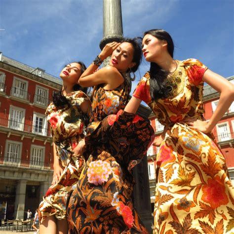 Madrid Batik batik quot iwan tirta collection quot madrid june 2012