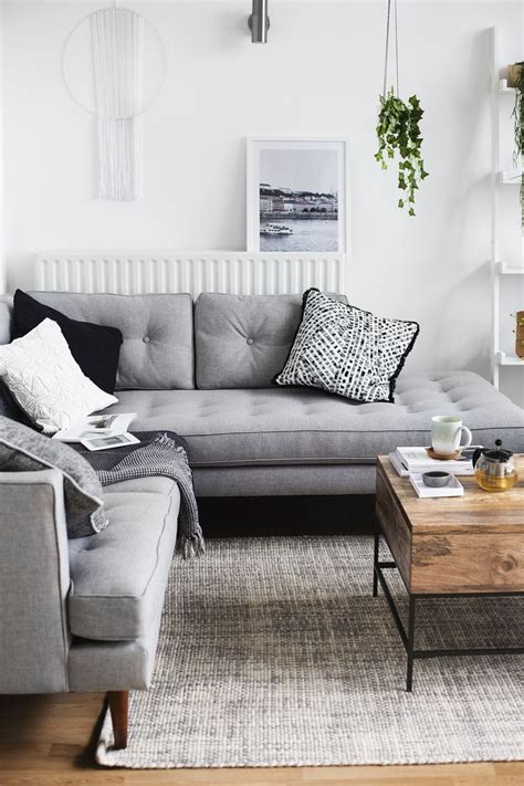 what color rug for grey sofa what color rug goes with a grey buethe org