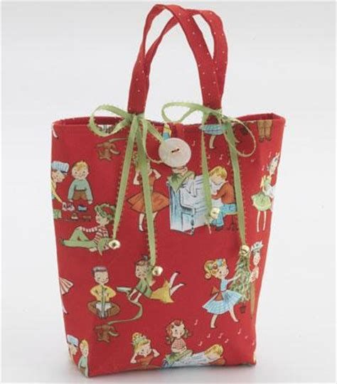 pattern gift bags easy diy gift bags allpeoplequilt com