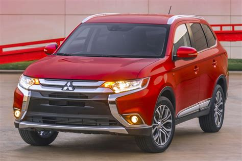mitsubishi suv 2016 2016 mitsubishi outlander suv pricing for sale edmunds