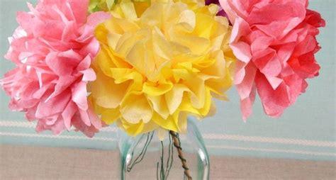 fiori con la carta crespa come realizzare fiori di carta crespa fiori di carta