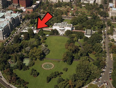 where in the white house is the oval office if you look at the white house from the outside what