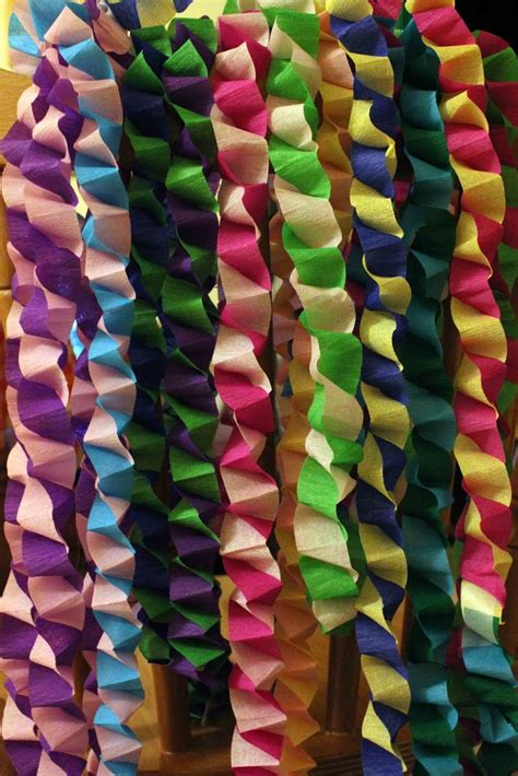 Make Crepe Paper Decorations - best 25 paper chains ideas on