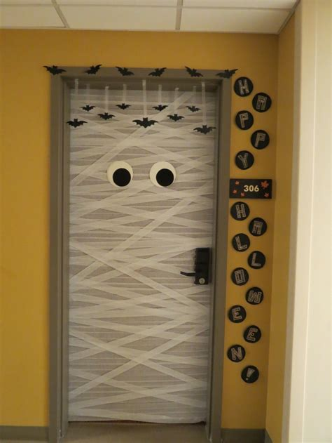 1000 images about door bulletin board ideas on