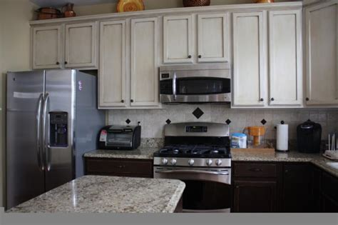 kitchens with two different colored cabinets photos different kitchen cabinets
