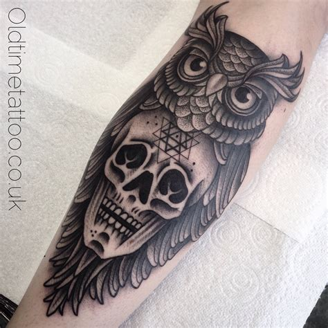 tattoo old school dotwork dot work owl and skull foulds tattoo