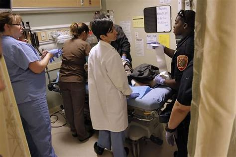 emergency room san francisco visits to emergency rooms rise as insurance lost sfgate