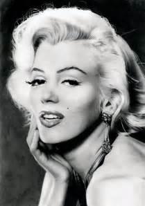 Beautiful b amp w portraits of marilyn monroe vintage everyday