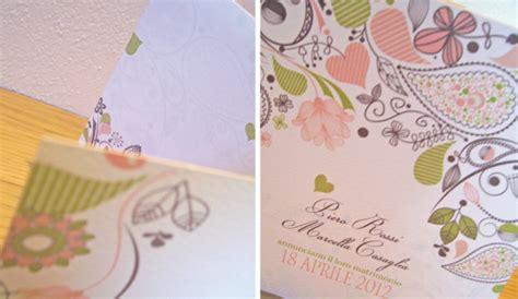 petali di fiori per matrimonio partecipazioni di matrimonio con fiori e petali