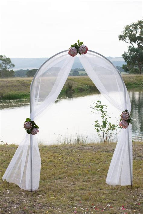 Wedding Arbor With Tulle by Gorgeous Ceremony Arch Decorated With Tulle And King
