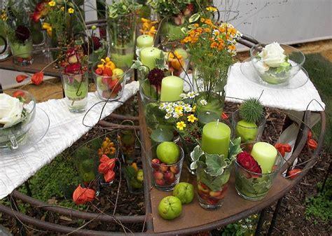 herbst tischdekoration tischdeko tischschmuck floristische arbeiten