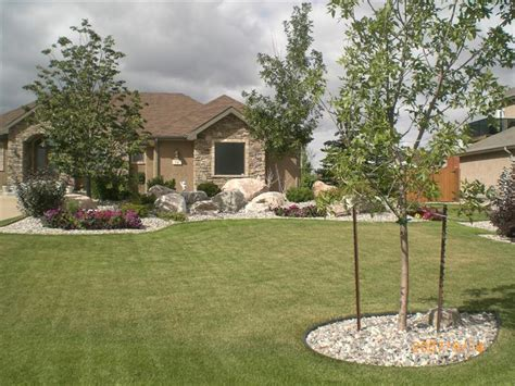 small front yard landscape ideas breeds picture