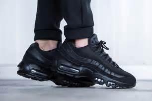 Nike air max 95 triple black sneaker freaker