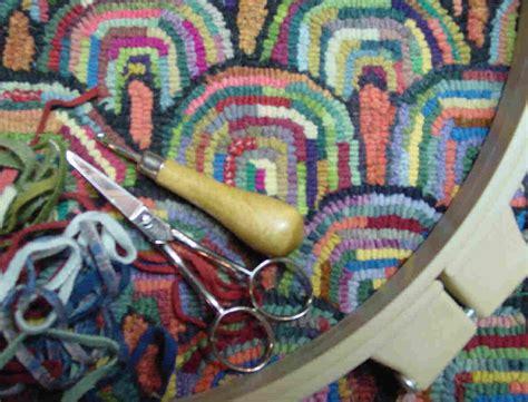 how to do rug hooking beginner rug hooking class sun march 25th 2018 martina lesar