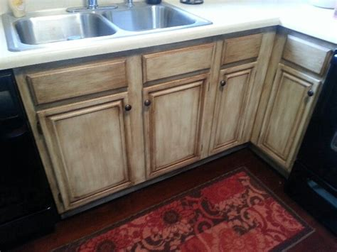 chalk paint kitchen cabinets distressed 72 best glazing tutorials images on furniture