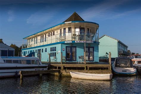 upside down boat house waterside boathouse holiday cottage wroxham with free day boat