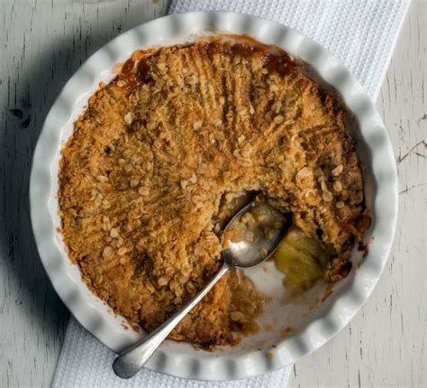 apple crumble best recipes the best apple crumble recipe food