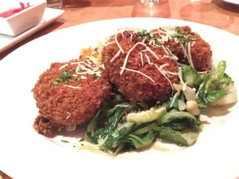 where to eat in iowa resturants and dining in iowa farm to table goodness in decorah iowa just short of crazy