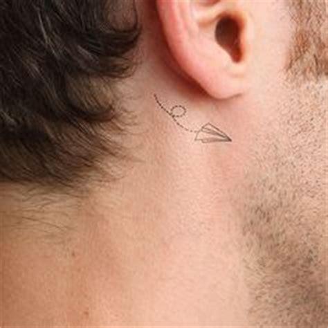 airplane tattoo behind ear 1000 images about tatuajes detr 225 s de la oreja on
