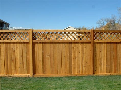big fence lattice top cedar wood fence big 008