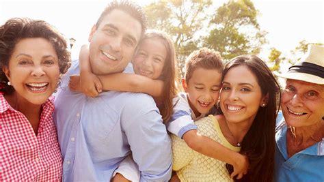 imagenes de la familia reunida c 243 mo vivir con los abuelos en casa y que reine la paz