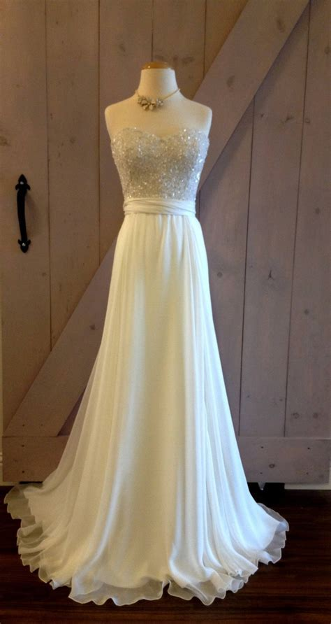 Dresses for renewing wedding vows: Pictures ideas, Guide