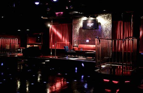 nashville swing club one of menages vip seating platforms where swingers open