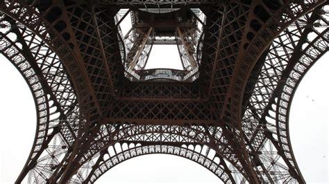 Eiffel Tower Floor L by Eiffel Tower Gets New Glass Floor Abc News