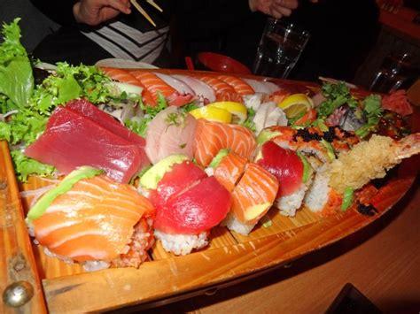 the love boat sushi 12 sushi love boat for 4 sapporo haru me so hungry