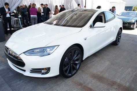 Tesla Model S White Saw A Tesla S On The Road Anandtech Forums