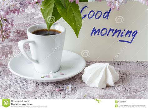 caffe fiori nota di buongiorno tazza di caff 232 e fiori liliac