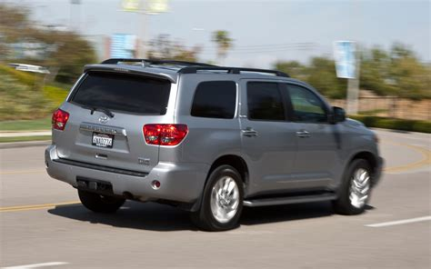 Toyota Sequoia 2011 2011 Toyota Sequoia Reviews And Rating Motor Trend