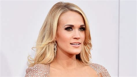 50 Photos Of Carrie Underwood by Carrie Underwood Advierte A Fans Que Puede Verse Poco