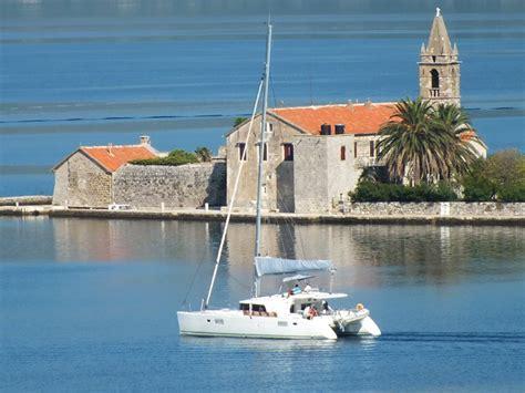 catamaran or monohull yacht catamaran vs monohull