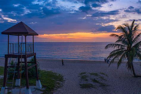 stay  phuket thailand   traveller