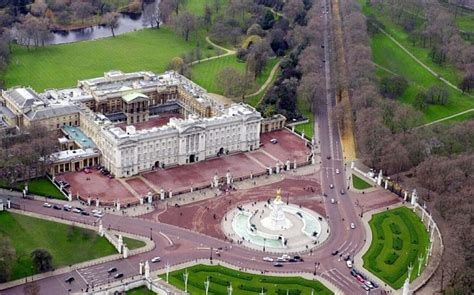 Kensington Palac by Buckingham Palace Garden To Stage Its First Football Match