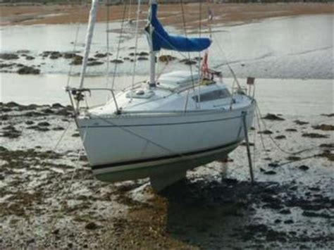 Sale Ready As26 beneteau 26 dries out