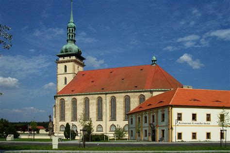 Charming Assumption Catholic Church #6: 1200px-Most%2C_Star%C3%BD_Most%2C_P%C5%99esunut%C3%BD_kostel_EX.JPG