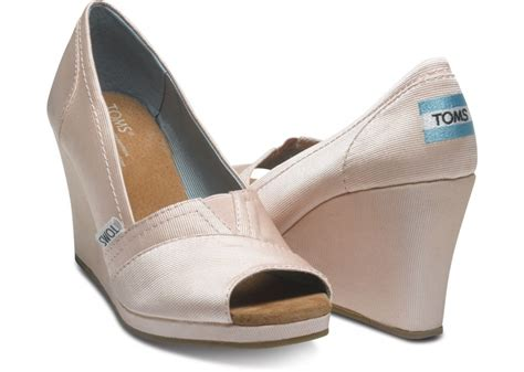 toms wedges as reception shoes anyone them weddingbee
