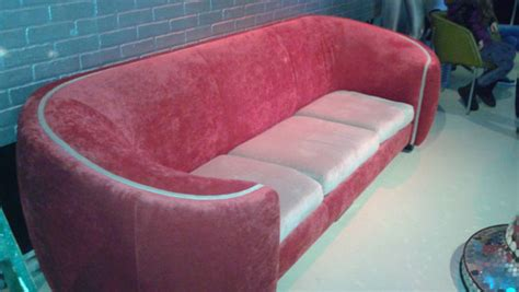 andy warhol couch tiff shows andy warhol s celebrity obsession with new