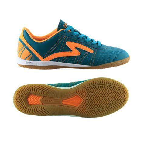 Sepatu Badminton Bata sepatu futsal specs terbaru 2014 namanya horus in specs