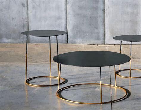 la table basse m 233 tal atole gold 45 cm sur 50 cm de