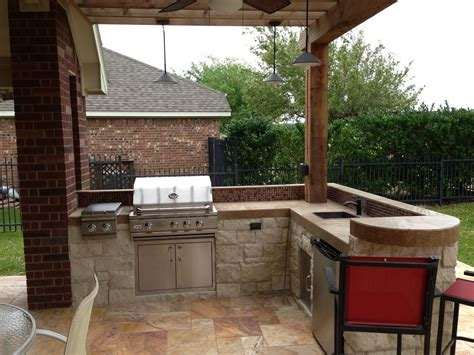 small quot l shape quot outdoor kitchen with bar seating