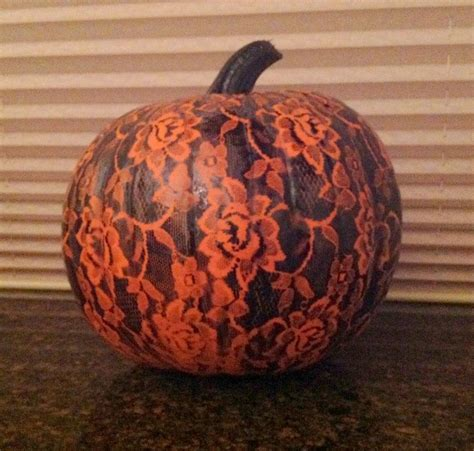 spray painting pumpkins 1000 ideas about pumpkin display on white