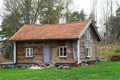 How To Describe A Cottage artistic bungalow or dumpy cottage other code words